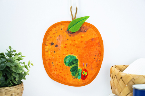 はらぺこあおむし ループ付タオル フルーツ大好き オレンジ