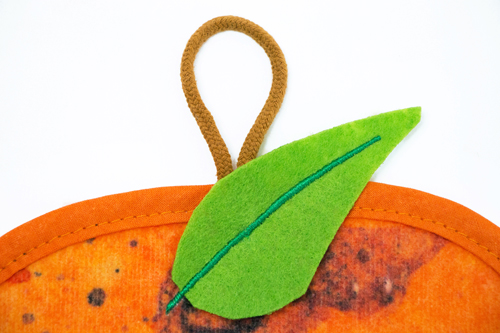はらぺこあおむし ループ付タオル フルーツ大好き オレンジの商品画像2
