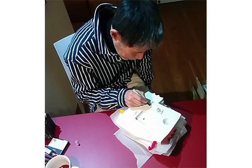 ≪1月15日まで≫【直筆サイン入り】五味太郎 オリジナル時計  「にわとり」の商品画像2