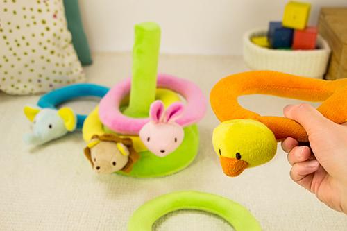 ふわふわリングで輪投げ遊びができる「ふわふわなげっこ」が大人気!