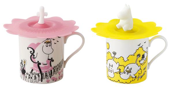 お花みたいなシリコンカップカバーが付いたムーミンマグカップ