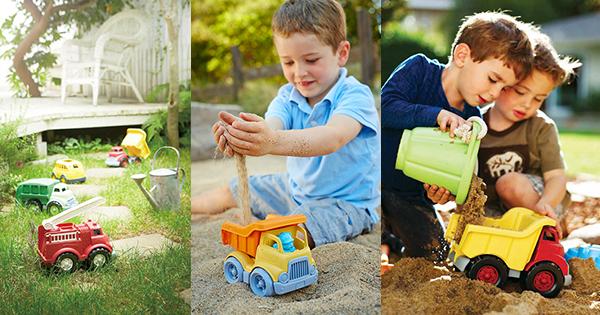 外遊びのススメ!(4) 汚れも気にしないで思いっきり遊べる頼もしい働く車
