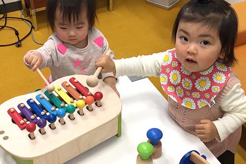 【1歳〜2歳向】プレゼントでお悩みの方へ。実際に「木製・布おもちゃ」で遊んでみました!