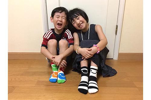 【絵本ナビ限定】新井洋行『カラフル』 ソックス(キッズ)商品画像